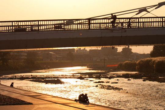 河川敷の秋の夕景-6