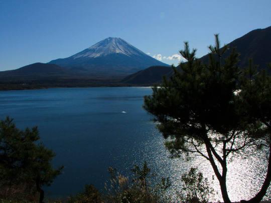本栖湖からの富士山-9