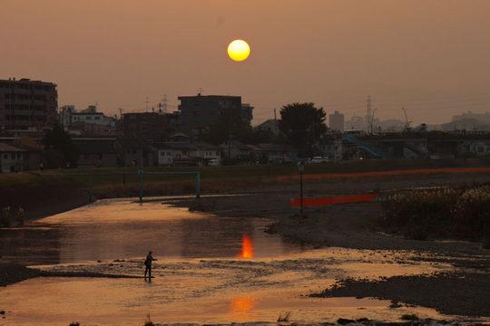 河川敷の秋の夕景-7