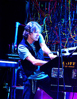 250px-Keith_Emerson_StPetersburg_Aug08