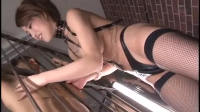 【射精動画】ドSカワイイでエロい爆乳の女性の、フェラチオ手ヌキマゾ男プレイ動画。まさにパーフェクト!