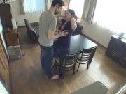 ホームステイの外人男性を受け入れた初日から爆乳おばさん嫁がNTRて酒池肉林の序章は始まった!
