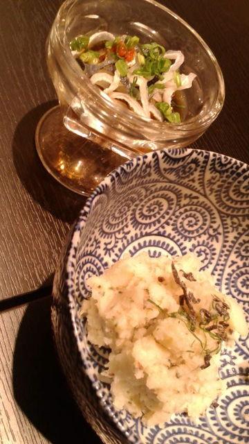 (25)ポテトサラダと鮪皮ポン酢