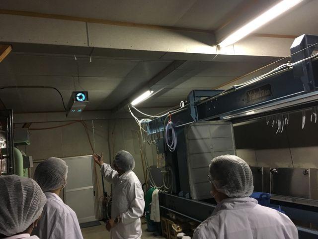 写真6 オゾン発生装置説明