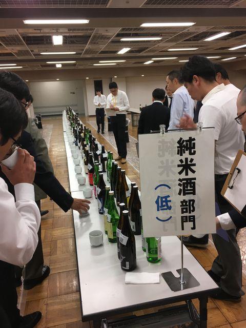 写真1 SAKE COMPE きき酒会