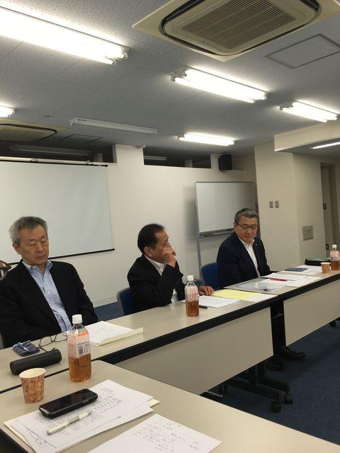 写真6 山崎副社長報告