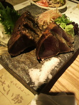 ワラ焼きカツオの塩タタキ