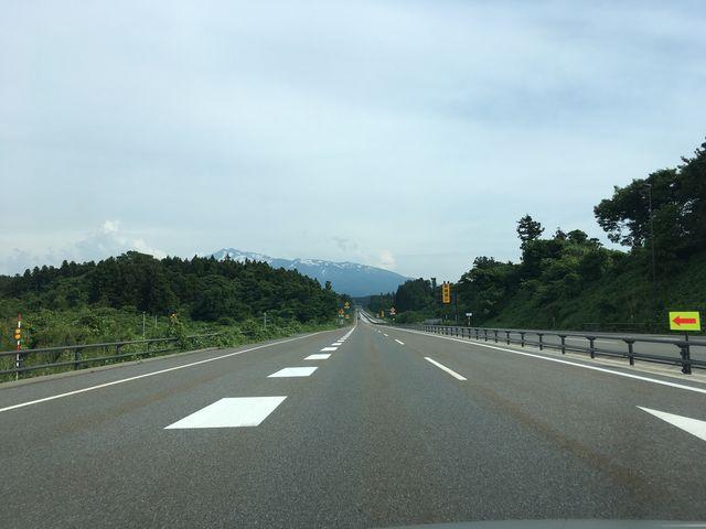 写真11 鳥海山