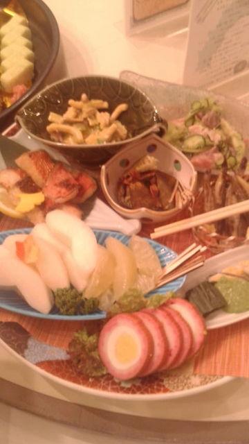 (17)テーブル皿鉢・組物