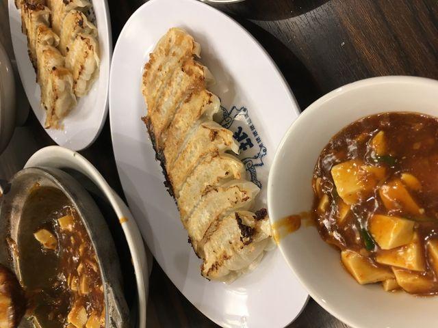 写真32 餃子と麻婆豆腐