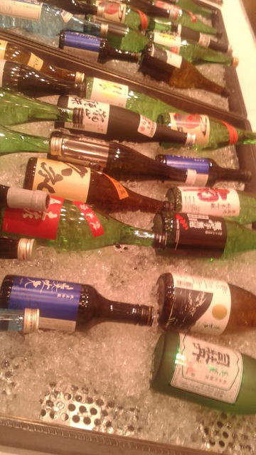 2(2)土佐酒ズラリ
