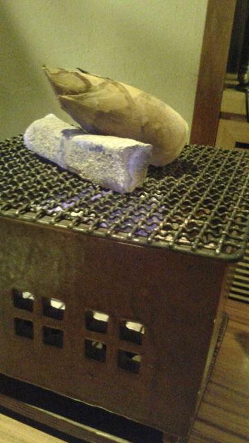 (8)筍を炭火枕焼きに