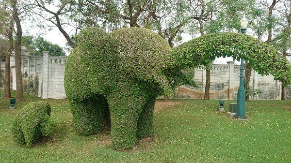 green_elephant