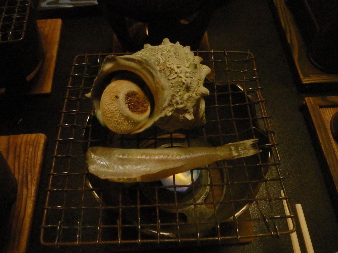 P3180224 サザエとシロギスの焼き物。アワビとシロギスのバター蒸し。アワビとかサザエ...