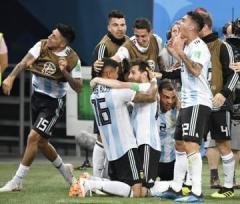 アルゼンチン、決勝Tへ クロアチア1位で16強