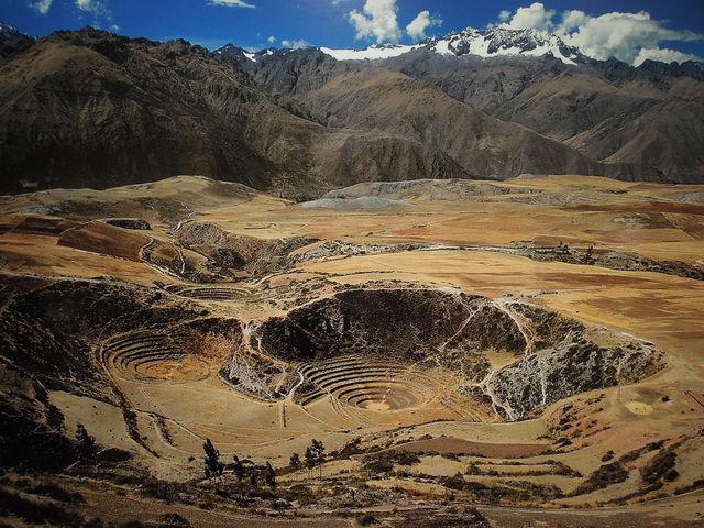 DSCN1733 インカ帝国はスペイン人の侵略を受けあっけなく崩壊する。 建築技術や天文学の発達