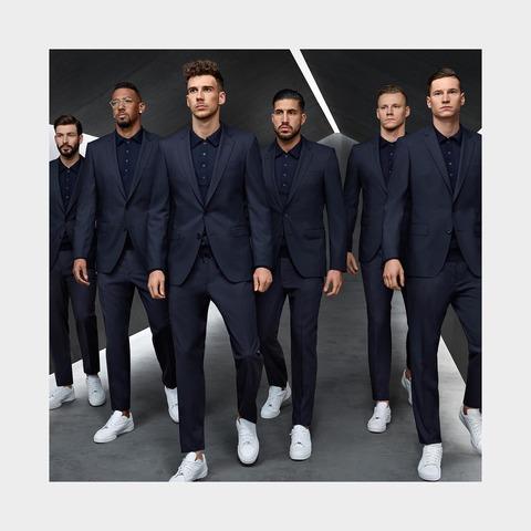 ヒューゴボスのスーツを着るサッカードイツ代表チーム