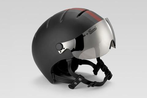 Bianchiとコラボで作られたGUCCIの自転車用ヘルメット