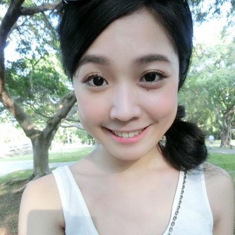 Vicky Hou2