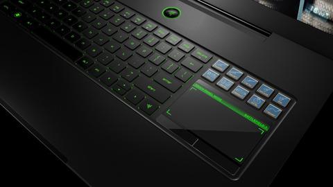レーザーゲーミングラップトップのグリーンバックライトキーボード