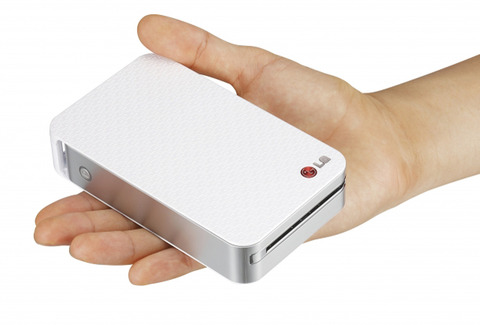 手のひらサイズのモバイルプリンタLG Pocket Photo