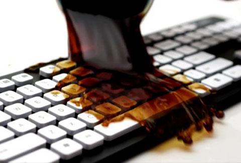 コーヒーこぼしても心配無用のキーボード