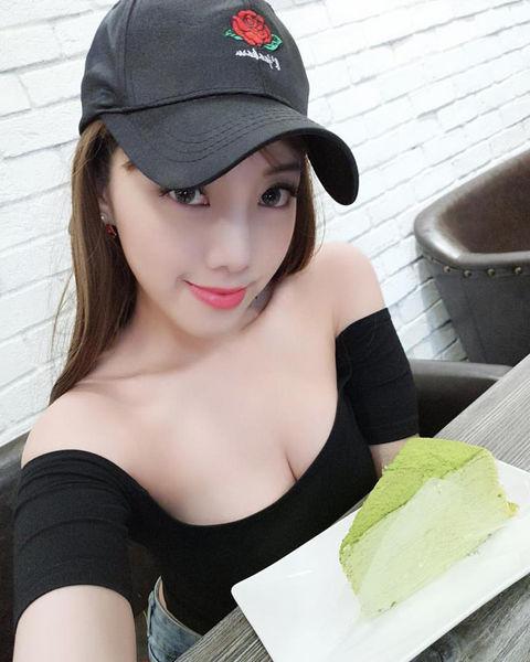Kuan Chi Huang15