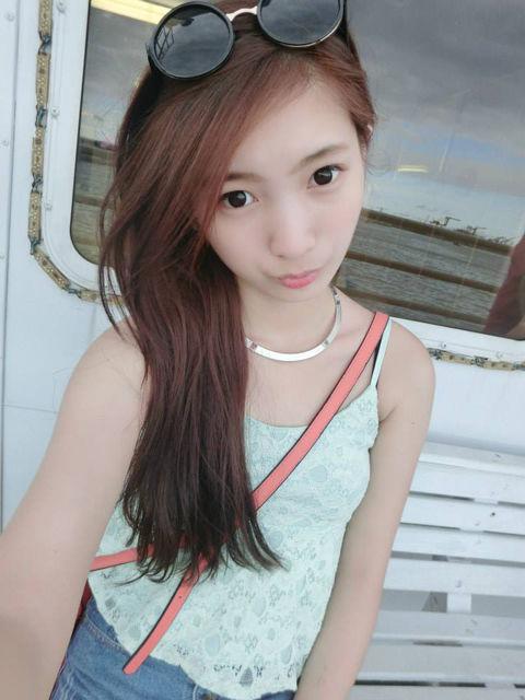 何妍萱15