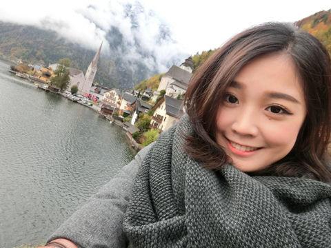 Vicky Hou7