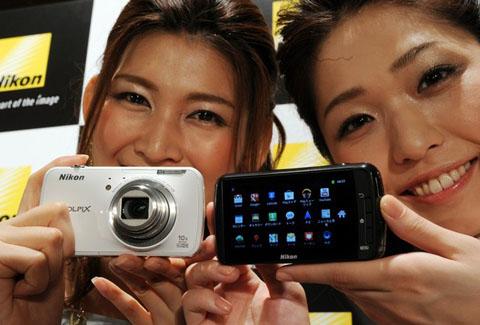Nikon デジタルカメラ COOLPIX (クールピクス) S800c ブラック S800CBK