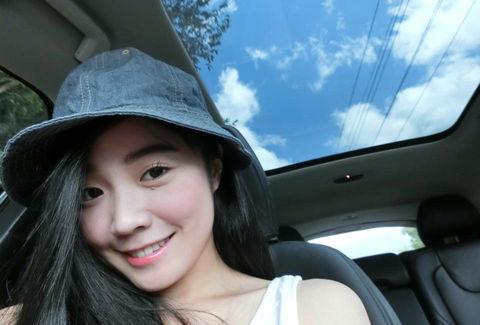 Vicky Hou3