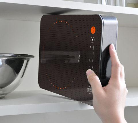 立てて収納できるコンパクトなIH調理器