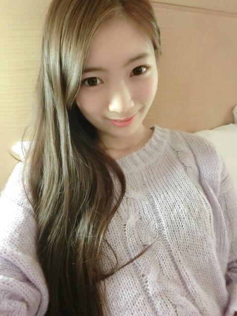 何妍萱11