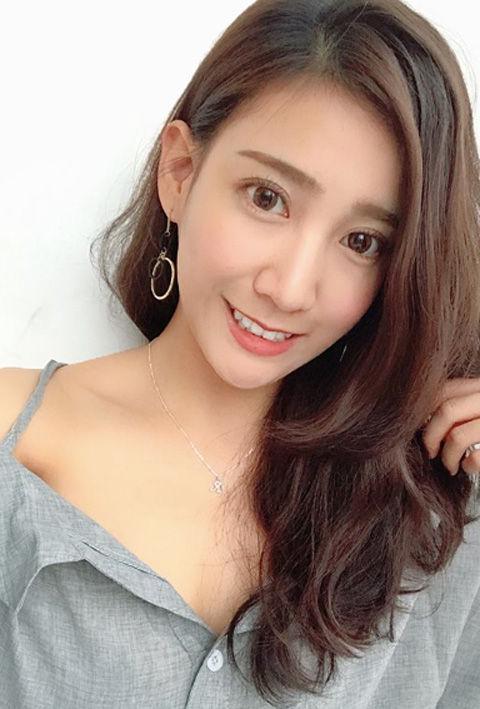 Chloe Cheng14