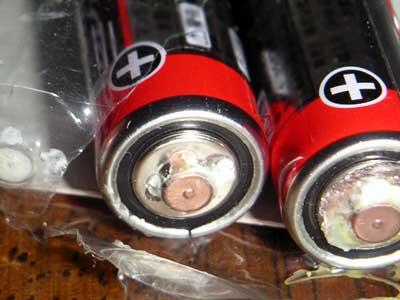 乾電池使わず液漏れ