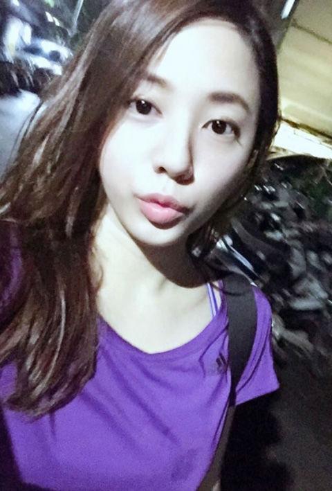 李律 Amiya Lee9