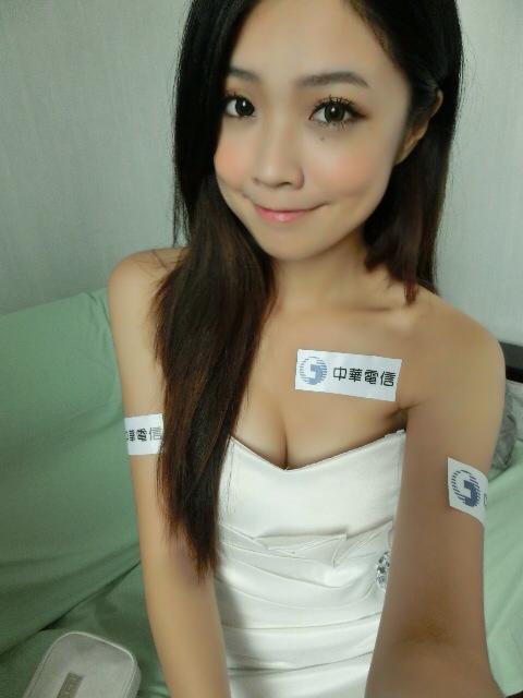 Vicky Hou12