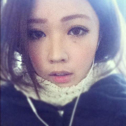 Vicky Hou15