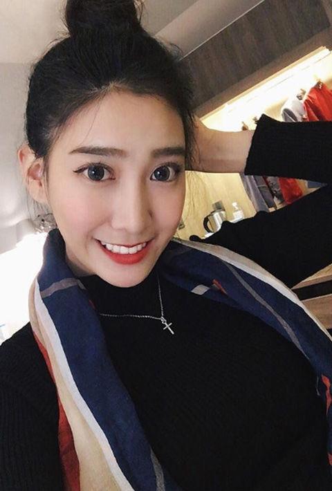 Chloe Cheng9