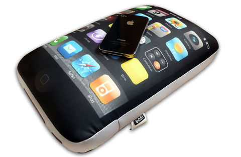 iPhone 4 Pillows