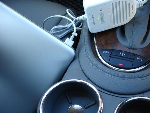 MacBook Pro車載充電可能