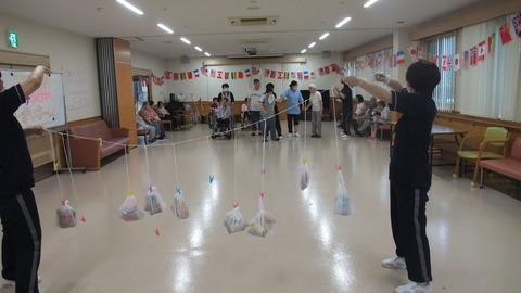 お菓子食い競争3