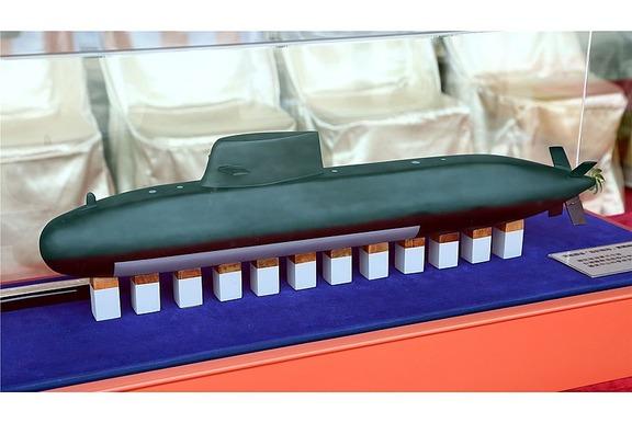 800px-中華民國海軍IDS潛艦模型