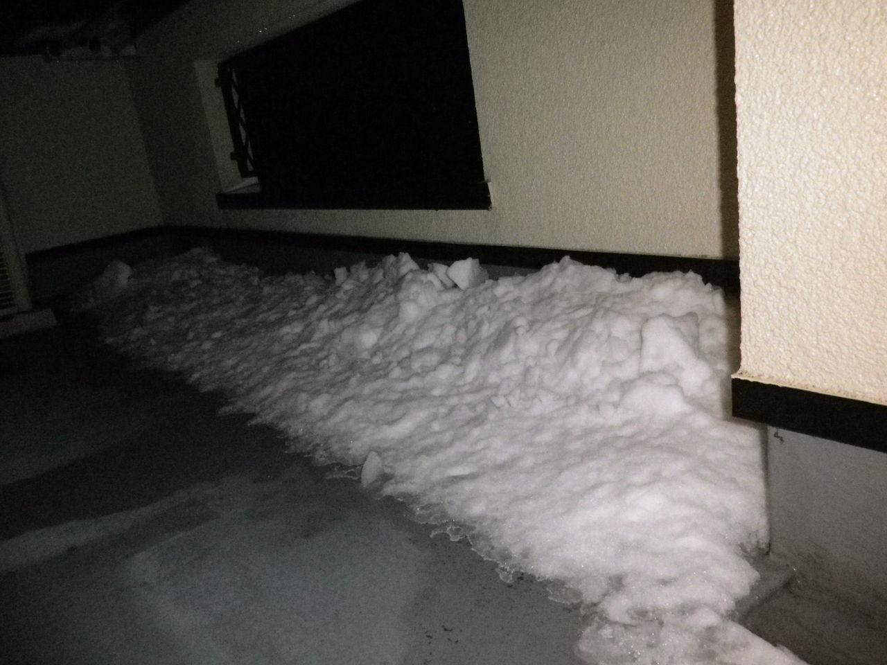 ベランダに雪