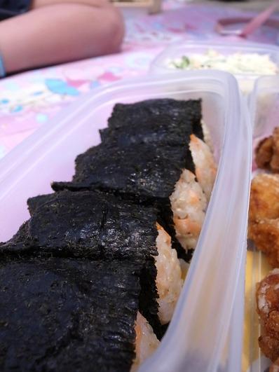玄米鮭おにぎり