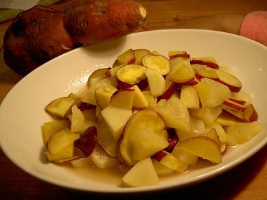リンゴとサツマイモの蒸し煮