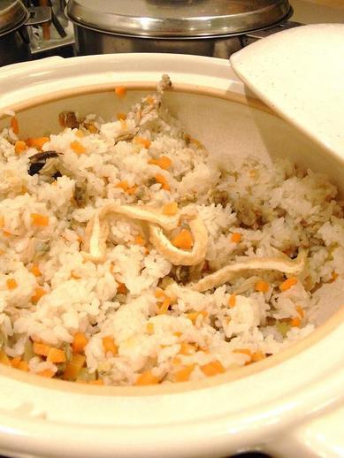 土鍋炊き込みご飯b