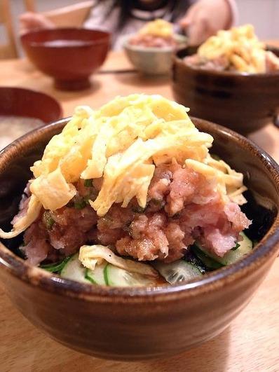 ひな祭りネギトロ丼b
