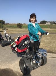 セグウェイに乗ってゴルフ