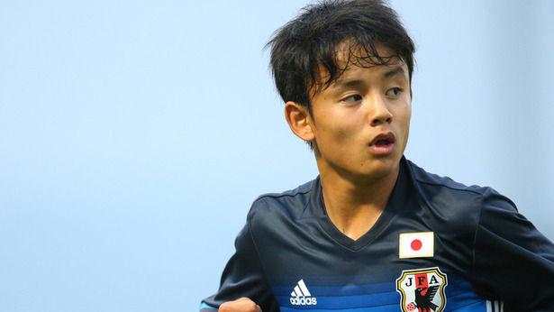中田→香川→久保みたいな感じで日本のサッカーも適度なタイミングで天才出てくるサイクル入ったよな